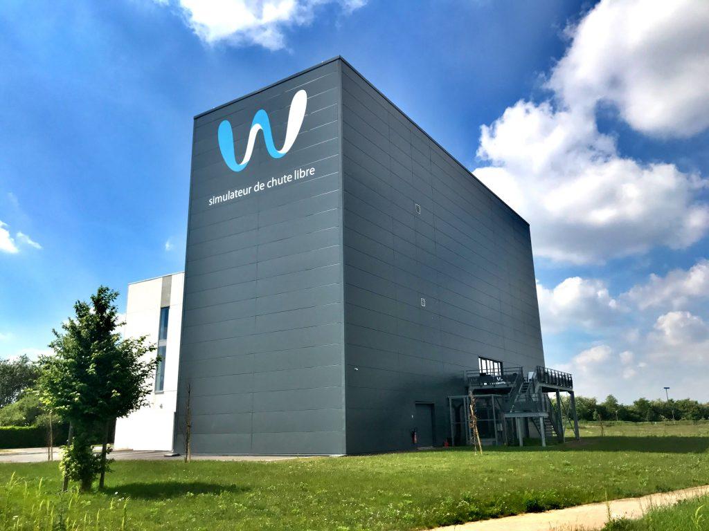 Weembi Simulateur de Chute Libre, indoor skydiving, à Lille Lesquin, proche de la Belgique